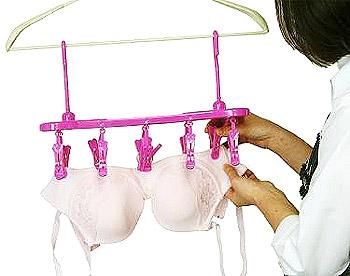 ランジェリーキーパー 下着を隠して干せるので洗濯物の盗難防止に役立ちます。紫外線による色落ちも防ぎます。