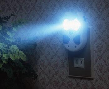ふくろう型停電灯 停電するとパッと点灯する。 ナイトライト、懐中電灯としても使えます。